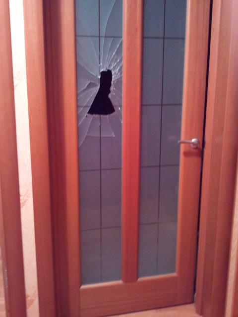 замена разбитого стекла Волховец