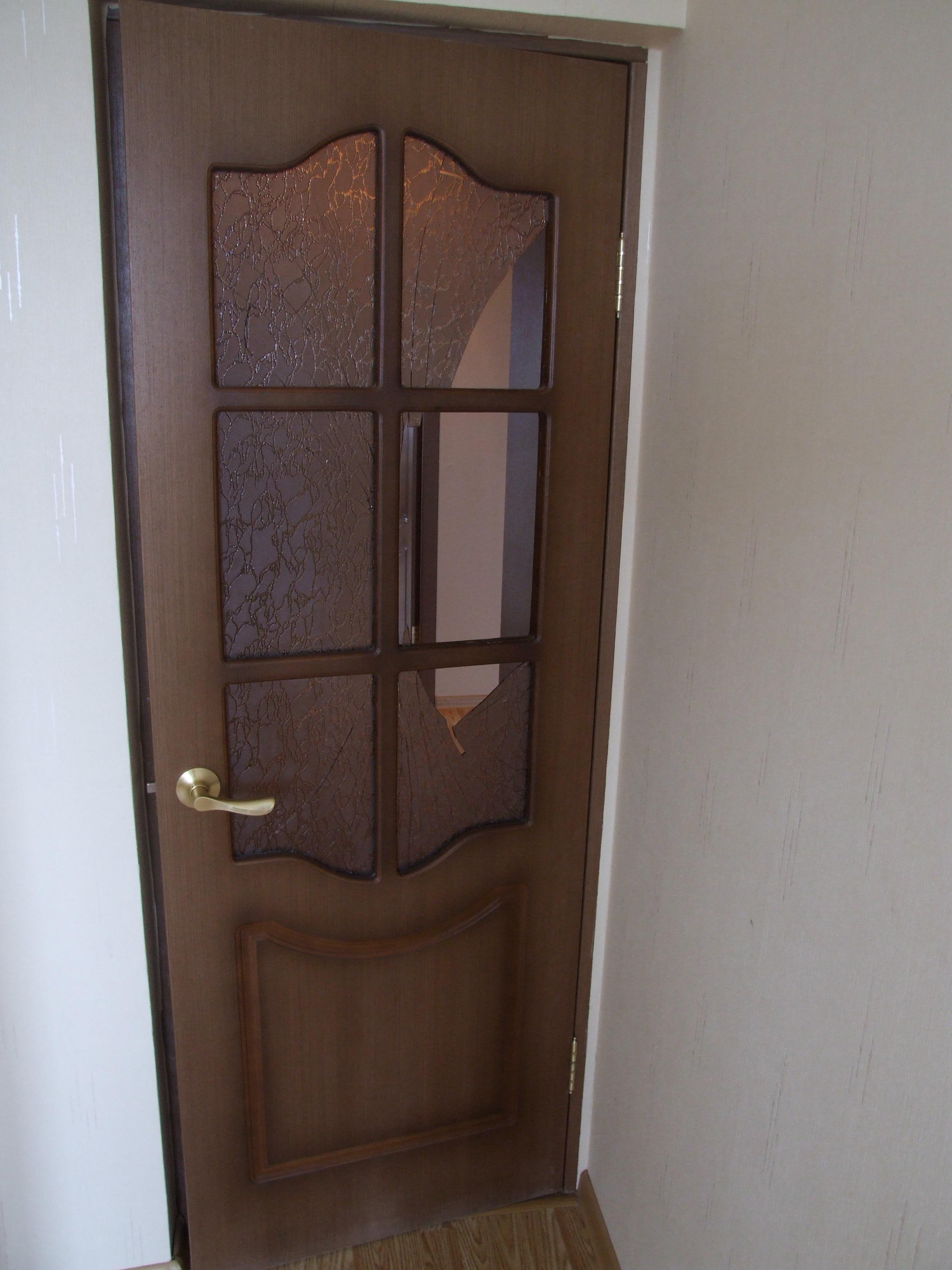 Как поменять стекло в межкомнатной двери 19